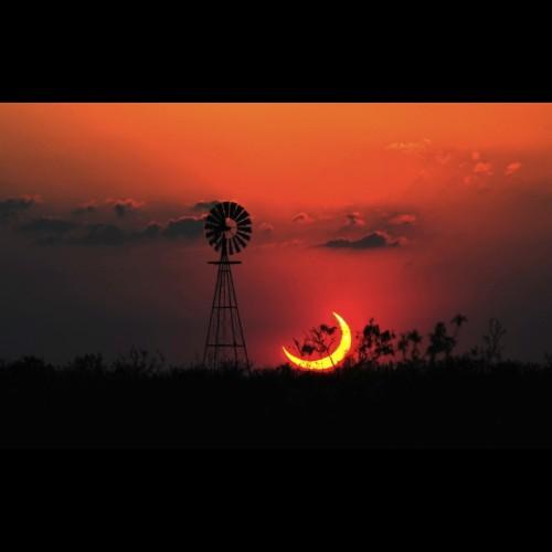 Partial Solar Eclipse Over Sundown, TX - Download